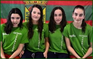 de izda a drcha. Sandra Amezua (braza), Laura Barreda (mariposa), Lucia González (espalda), Coral de la Guerra (crol)
